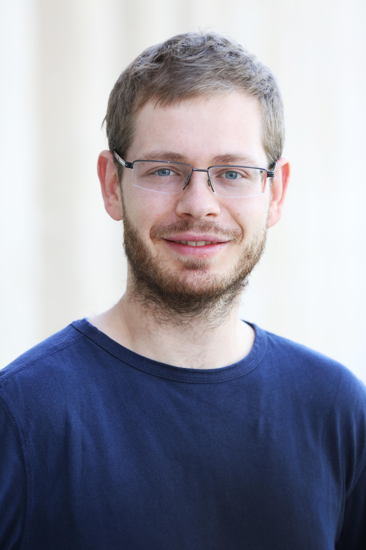 Dr Steffen Bollmann